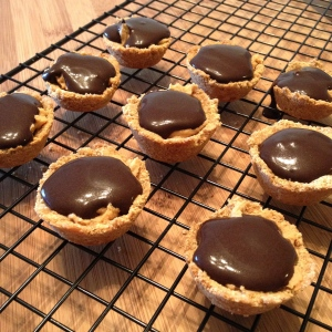 mini chocolate peanut butter pies | my skinny sweet tooth