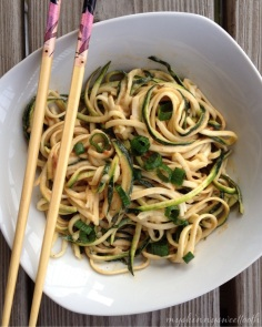 cold zoodles with spicy peanut sauce | my skinny sweet tooth