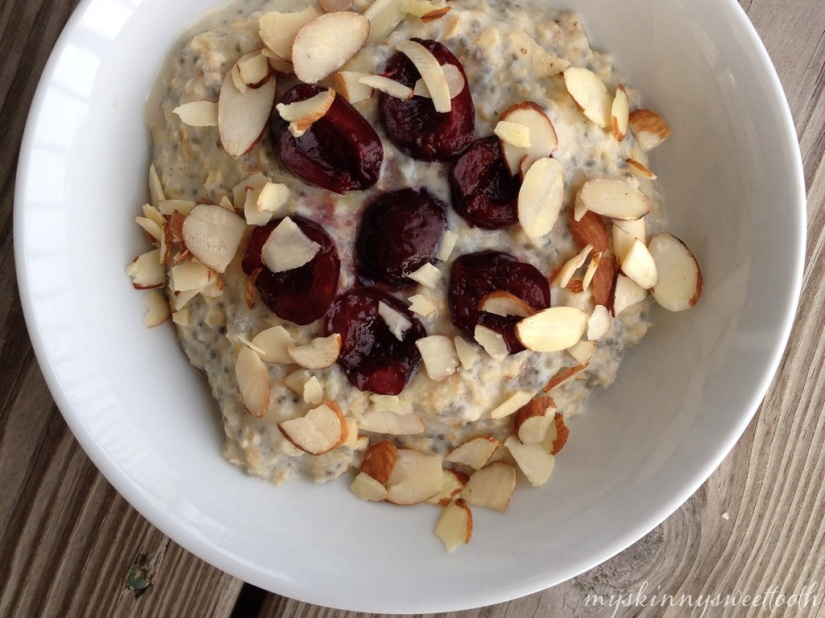cherry vanilla almond oatmeal | my skinny sweet tooth