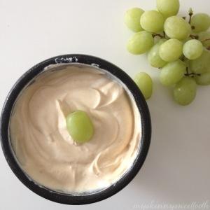 peanut butter yogurt dipped grapes | my skinny sweet tooth