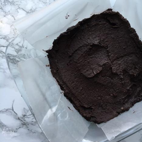 No-Bake (double dark chocolate) Black Bean Brownies | my skinny sweet tooth